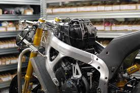 honda cbr rr 600 2004 building moto2 honda cbr race bike engines take a behind the