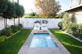 MinimalistDIYbackyardlandscapingwithsmallpoolsideasona - Small backyard designs on a budget