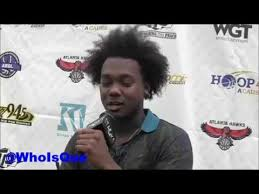 que the rapper hairstyle rapper que talks atl music scene og bobby johnson lebron james