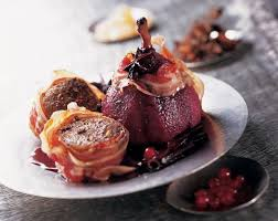 cuisiner du chevreuil recette noisettes de chevreuil et poires au vin épicé