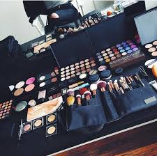 how to become a pro makeup artist aspiring makeup artist suth