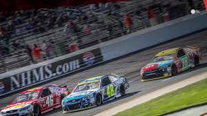 Flags In Nascar Is There A Nascar Title Favorite In The Chase Final Four