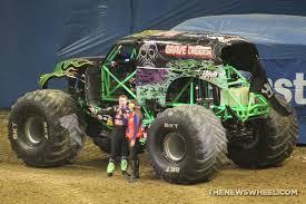 original grave digger monster truck the history of the grave digger monster truck the news wheel