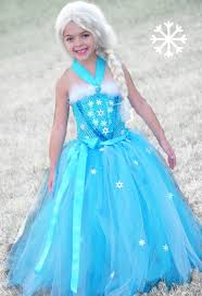 Elsa Frozen Halloween Costume Přes 25 Nejlepších Nápadů Na Téma Elsa Halloween Costume Na