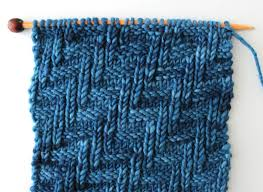 zig zag knitting stitch pattern diagonal chevron zigzag knit stitch pattern with video tutorial