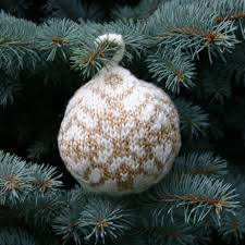 free knitting pattern christmas ball u2013 u201cstar of bethlehem u201d two