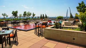 St Louis Patio Furniture by Discover The St Louis Restaurant And Bar At Four Seasons Hotel St