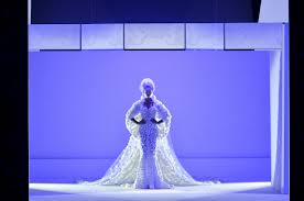 the chambre syndicale de la haute couture all you need to about the ralph russo couture my ciin