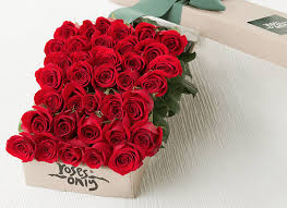 valentines roses box of roses chocolate gifts boxed roses delivery uk