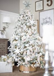tree decor in white silver and pearl