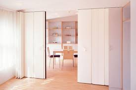 Temporary Walls Room Dividers by Temporary Pressurized Walls Are A Way Of Life In Nyc A Guide To