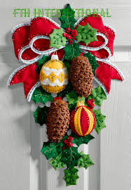 pine cones and holly bucilla felt christmas wall hanging kit