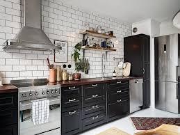 carreler une cuisine faut il carreler sa cuisine jusqu au plafond planete deco a homes