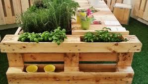 arredo giardino pallet per un arredo giardino fai da te ed ecologico