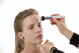 Make Up Schools The Benefits Of Makeup Courses In London Make Up Schools London