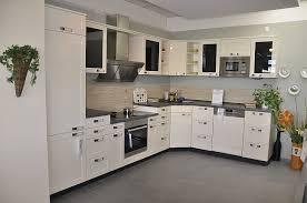küche arbeitshöhe nobilia musterküche l küche in maxi arbeitshöhe mit tiefer