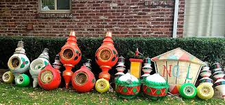 50 magical outdoor decorations that scream merry