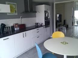cuisine gris et blanc deco cuisine blanche deco cuisine gris et blanc deco pour cuisine