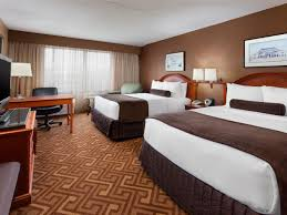 Bedroom Design Photo Gallery Crowne Plaza Englewood Disabled U0026 Accessible Rooms U0026 Facilities