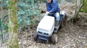tracteur en bois tracteur tondeuse modifié à chenille franchissement 1 youtube