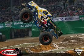 monster jam dog truck monster jam photos st louis fs1 championship series 2016