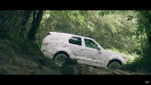 land rover discovery off road 2017 land rover discovery 5 proves it can off road in teaser