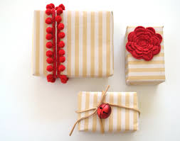 diy easy christmas wrapping ideas and inspiration u2022 checks and spots