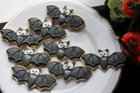 picture of halloween cats bug eyed bats scared cats and balloon pumpkins cherish sweets