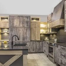 cuisine grange armoires de cuisine au style rustique avec mélamine imitation bois