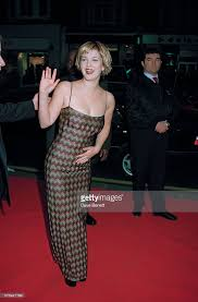 film horror wes craven drew barrymore at scream premiere pictures getty images