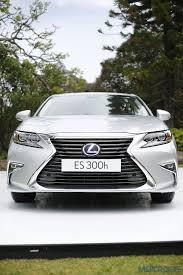 lexus es hybrid forum lexus es 300h review modern classic first drive motoroids com