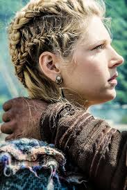how to do hair like lagatha lothbrok lagertha s braids awesome and so beautiful i m in love with
