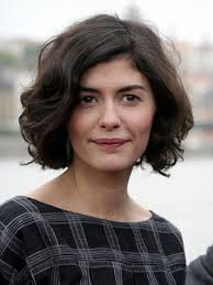 hairstyles for women with sagging jowls the bob is back but that doesn t mean older women have to follow