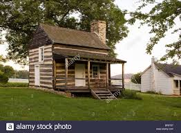 traditional american colonial log cabin virginia usa stock photo