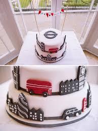 wedding cake london a relaxed london theme wedding wedding cake cake and weddings