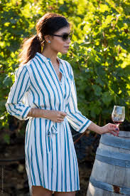 how to look stylish while wine tasting in napa shirtdress