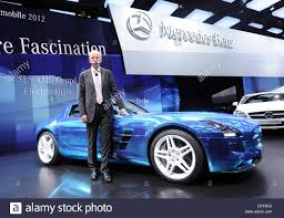 mercedes benz ceo ceo of daimler ag dieter zetsche presents the mercedes benz sls