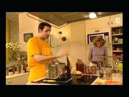 un gars une fille dans la cuisine un gars une fille cuisine un gars une fille dans la cuisine fle