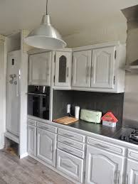 cuisine ancienne repeinte cuisine ancienne repeinte en blanc avec relooking cuisine ancienne