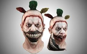 scary masks 40 scary clown masks that are the creepiest awesome stuff 365
