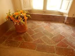 davanzali interni in legno finiture in cotto soglie davanzali e pavimenti in cotto per