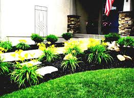 Country Backyard Landscaping Ideas by Simple Landscaping Ideas Using Mulch For Country Home Backyard