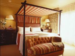 Romantic Master Bedroom Decorating Ideas by Romantic Master Bedroom With Canopy Bed