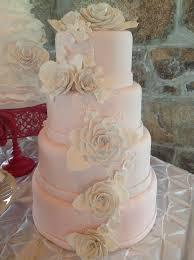 wedding cake gum 39 best gum paste flowers images on gum paste flowers