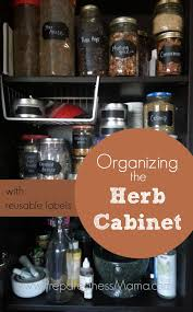 organizing the pantry with reusable labels