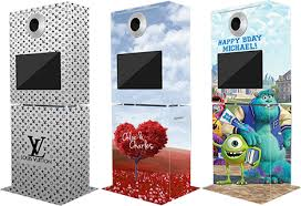 Photo Booth Yoomee Interactive Social Media Kiosk Rentals Las Vegas Nv