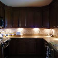 how to install led puck lights kitchen cabinets le led cabinet lighting kit 510lm puck lights 3000k