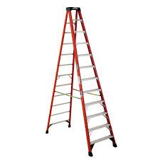 werner 12 ft fiberglass step ladder with 300 lb load capacity