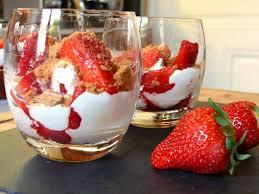 cuisine de a à z verrines verrine fraise mascarpone découvrez notre recette de verrine de