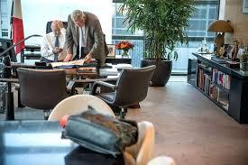 bureau des finances bureau de ministre bureau finances met touche a la bureau de